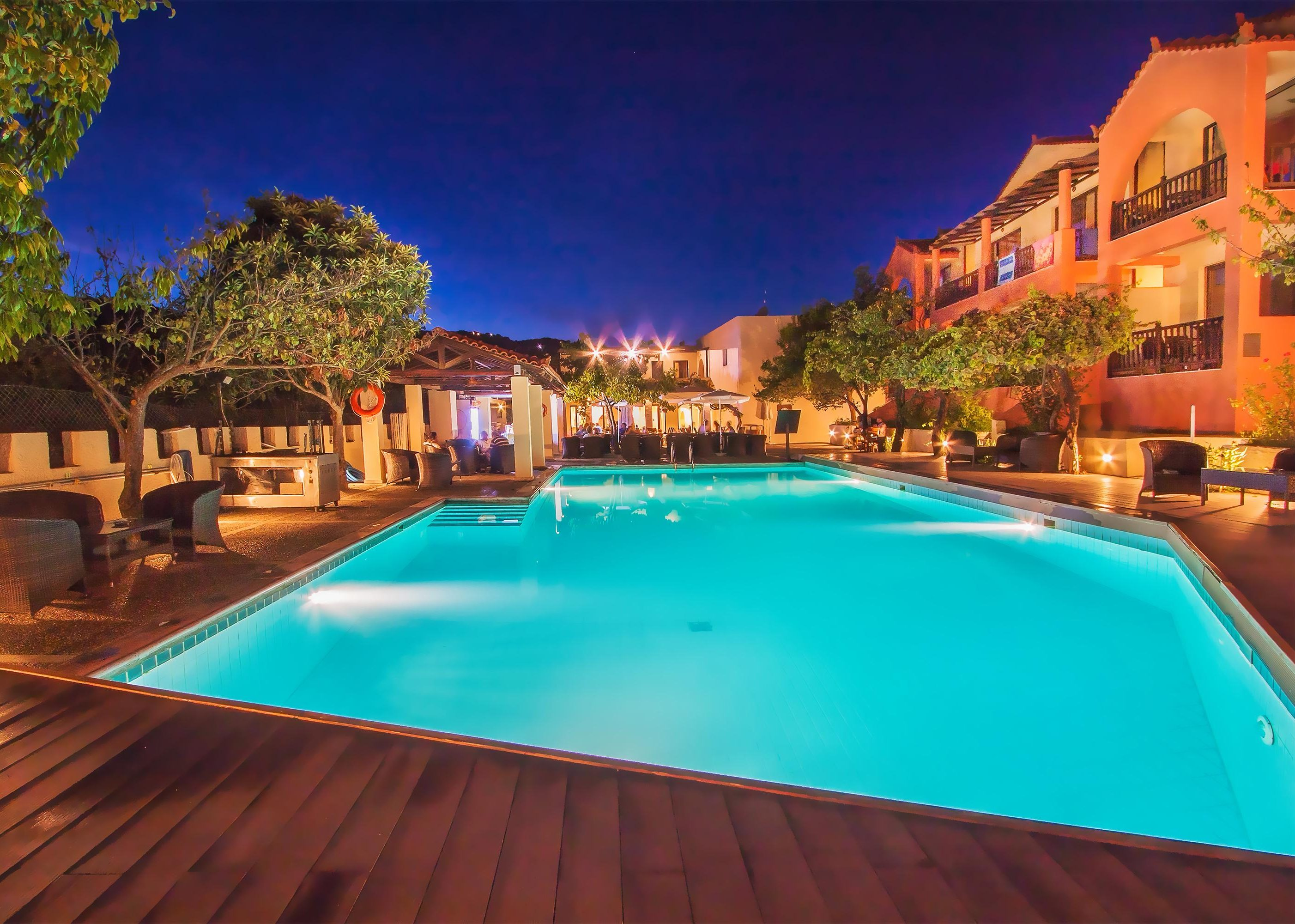 Rigas Hotel in Skopelos with big pool night
